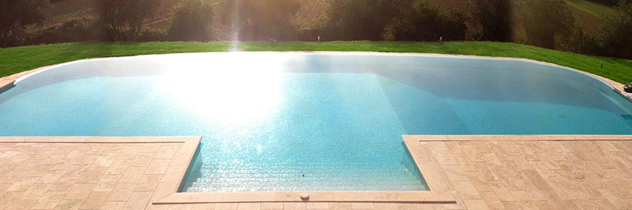 piscina_travertino_grande_angolo_1300_01