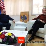 Gazeta_Express_Gabriele_Pazzaglia_societa_in_Kosovo_02
