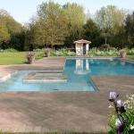 Ville_lussuose_piscina_fiorita