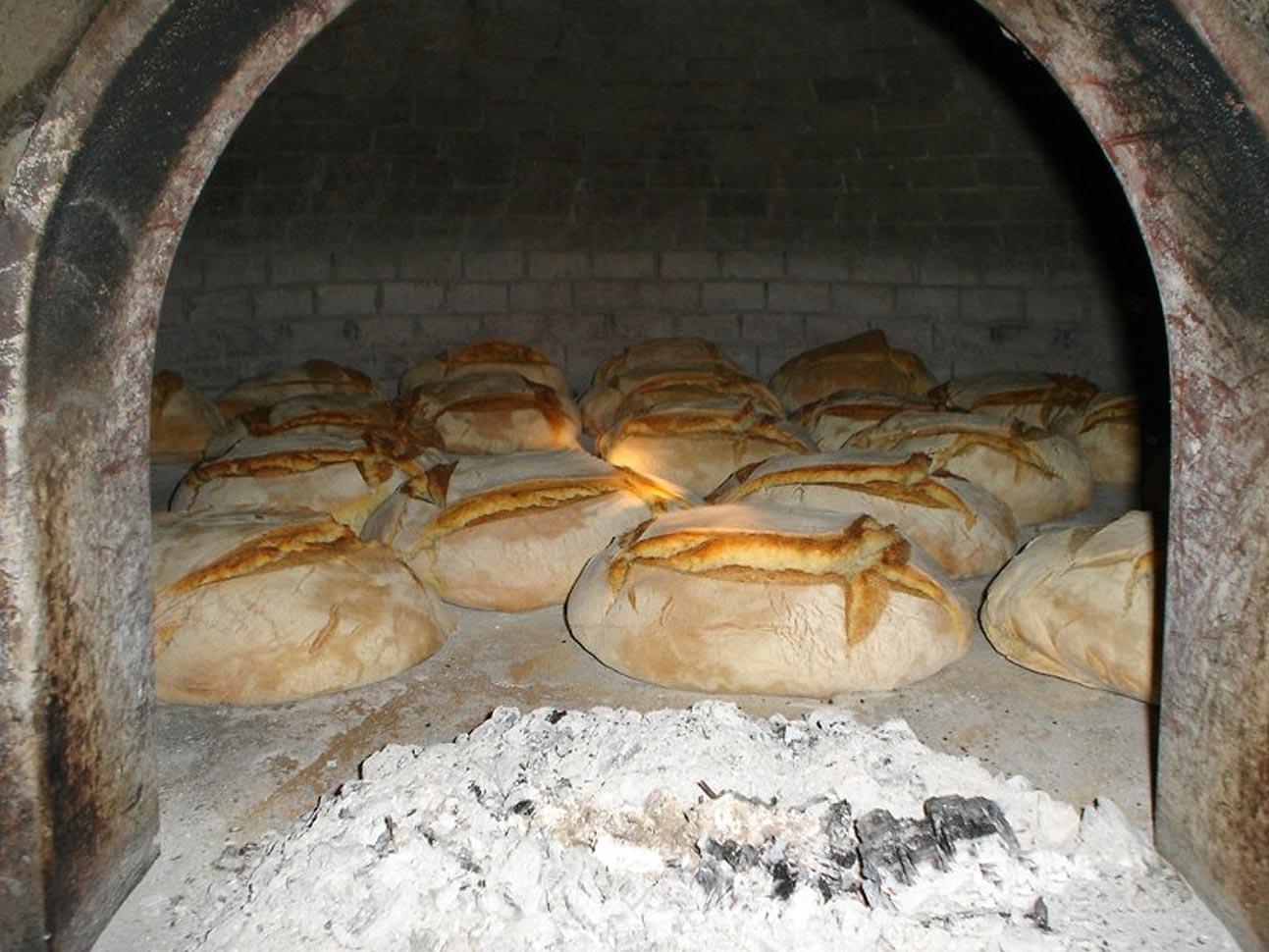 Forno a legna di una volta gabriele pazzaglia landscape workshop - Cucinare con il forno a legna ...